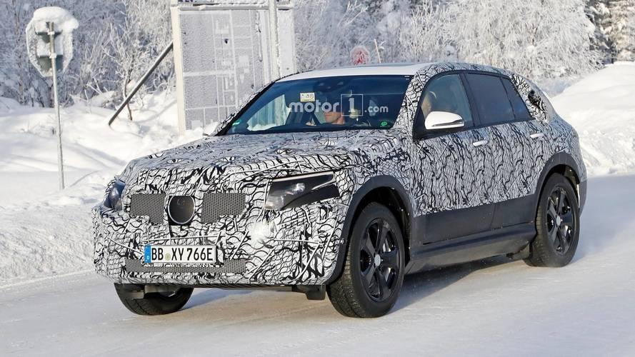 [GÜNCEL] Mercedes EQ C üretime hazır gövdesiyle yakalandı