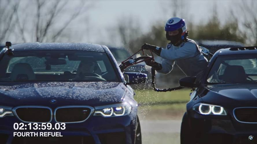 Itt az új világrekord – 8 órán keresztül drifteltek a BMW M5-tel