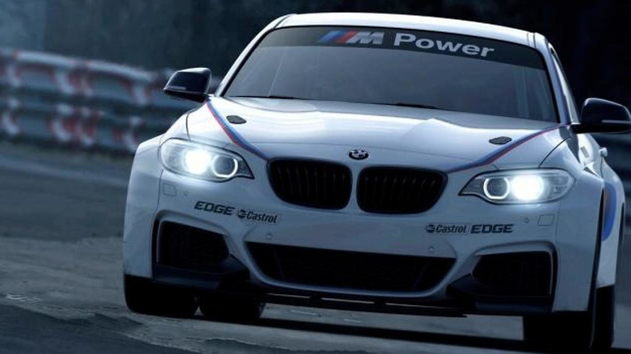 BMW M235i Racing hits the track [video]