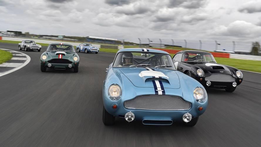 VIDÉO - Les nouvelles Aston Martin DB4 GT se retrouvent à Silverstone