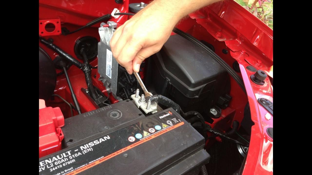 Garagem CARPLACE#2: Logan 1.0 enfrenta primeiro teste, estrada com a família e apagão