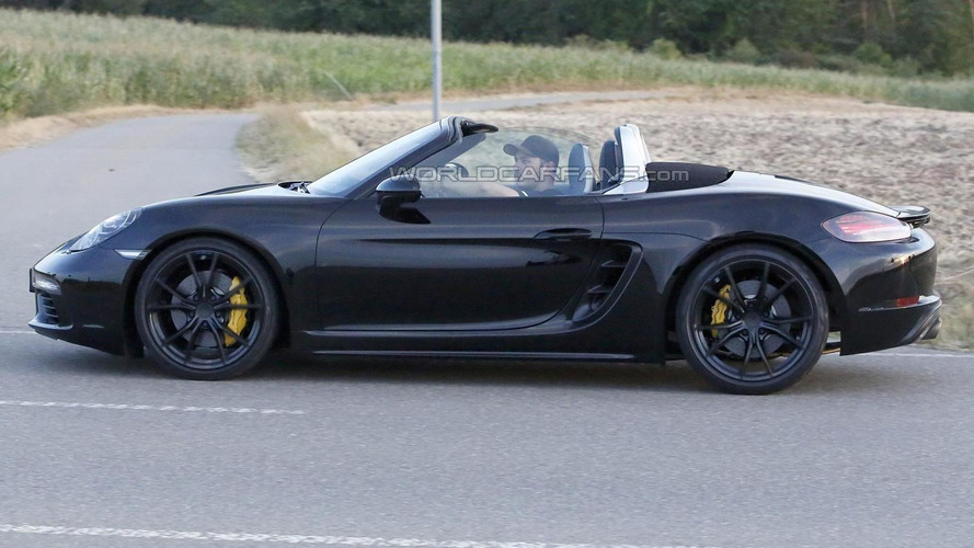 Porsche Boxster facelift spied with the top down