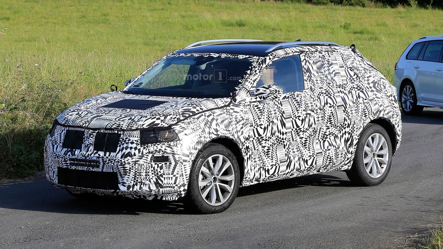 VW Polo temelli SUV casus fotoğrafları