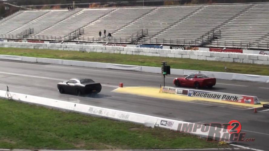 VIDÉO - Une Corvette affronte une Dodge Challenger sur une piste de dragster