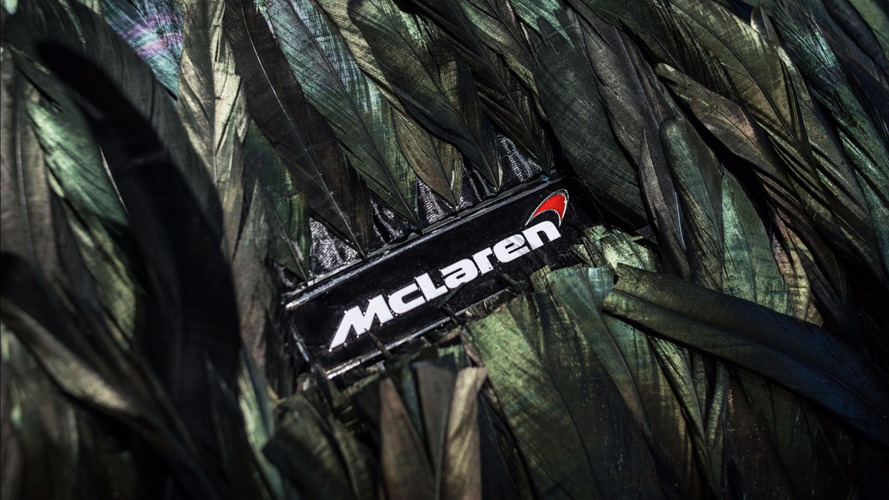 McLaren 570GT - Cobertura de penas