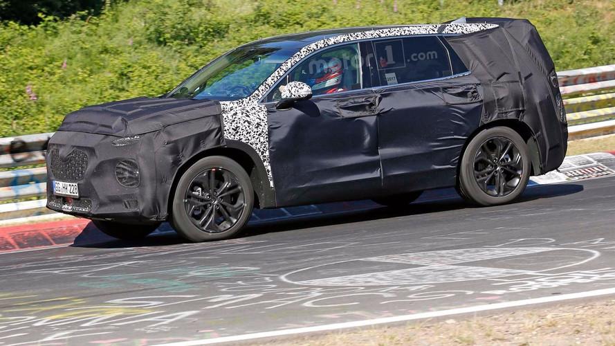 Flagra - Novo Hyundai Santa Fe será apresentado em fevereiro de 2018