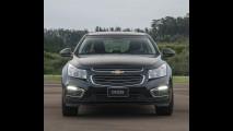 Chevrolet Cruze 2015 muda visual e atualiza mecânica