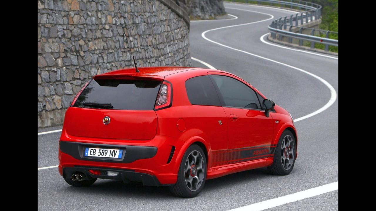 Novo Fiat Punto Abarth chega ao Brasil em 2011