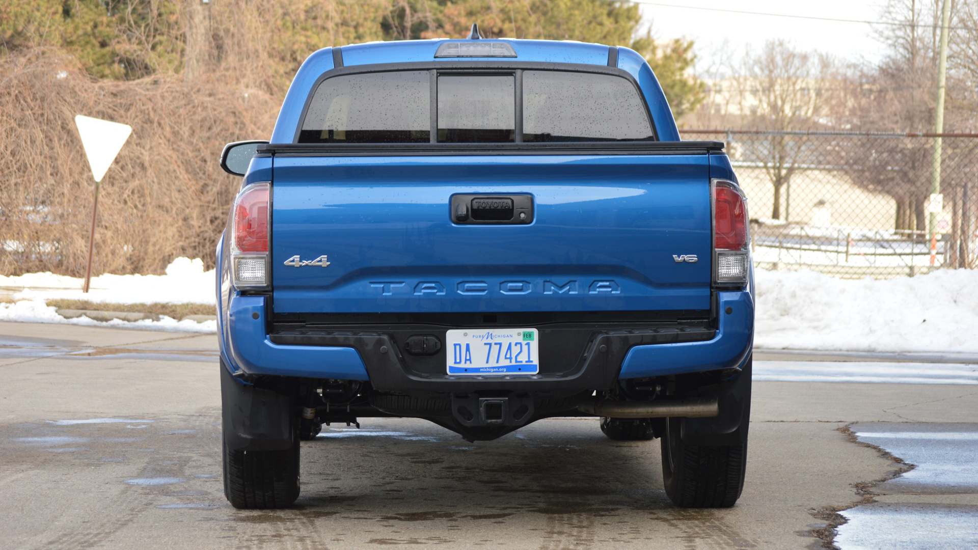 2016 Tacoma Towing Capacity >> Review: 2016 Toyota Tacoma | Motor1.com