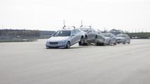 """Automated Driving"" at Mercedes-Benz - ""Automated Driving"" supplements the Mercedes-Benz testing programme at manoeuvres which would put a particular strain on test drivers: for example, validation of the airbag in triggering extreme driving situations (e"