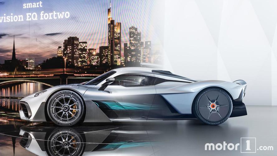 Duelo en la cumbre: Mercedes-AMG Project One vs. Aston Martin Valkyrie
