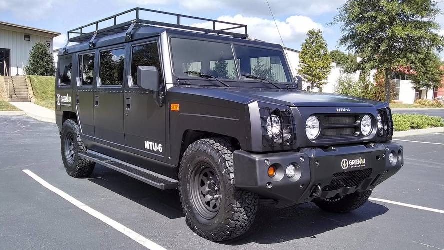 Green4U, altı kapılı ve elektrikli araçlar tanıttı