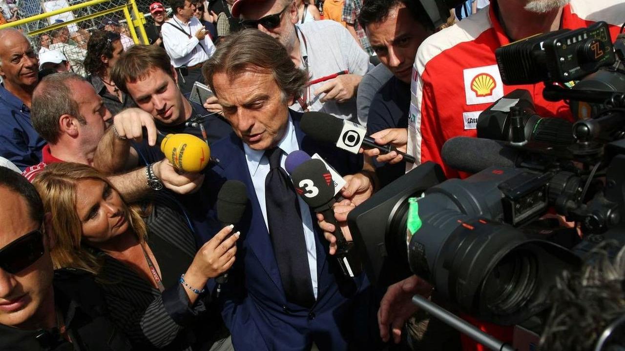 Luca di Montezemolo (ITA), FIAT Chairman and President of Ferrari leave the FOTA meeting on the boat of Flavio Briatore (ITA), Monaco Grand Prix, Monte Carlo, Monaco, 22.05.2009