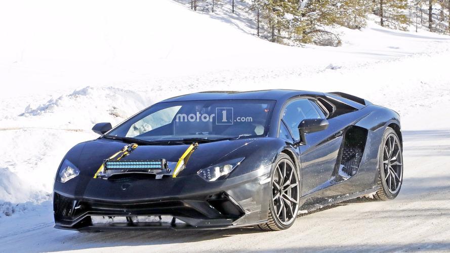 New Lamborghini Aventador version spy photos