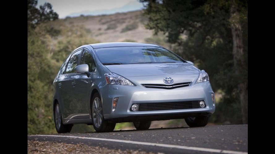 Detroit: Toyota apresenta a minivan híbrida Prius V - Veja galeria de fotos