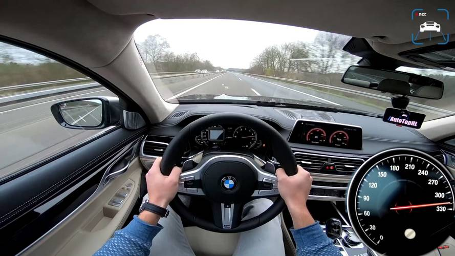 BMW M760Li neredeyse 320 km/s'i görüyor.