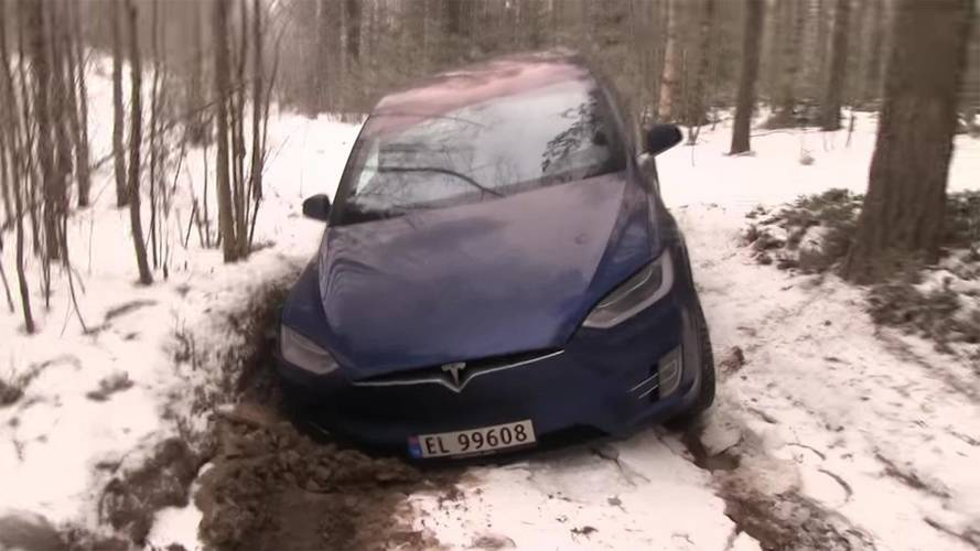 Tesla Model X Hauls A Land Cruiser, No Match For Wrangler Off-Road