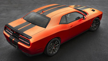 Dodge Challenger SRT, Charger SRT gain retro-flavored Go Mango paint