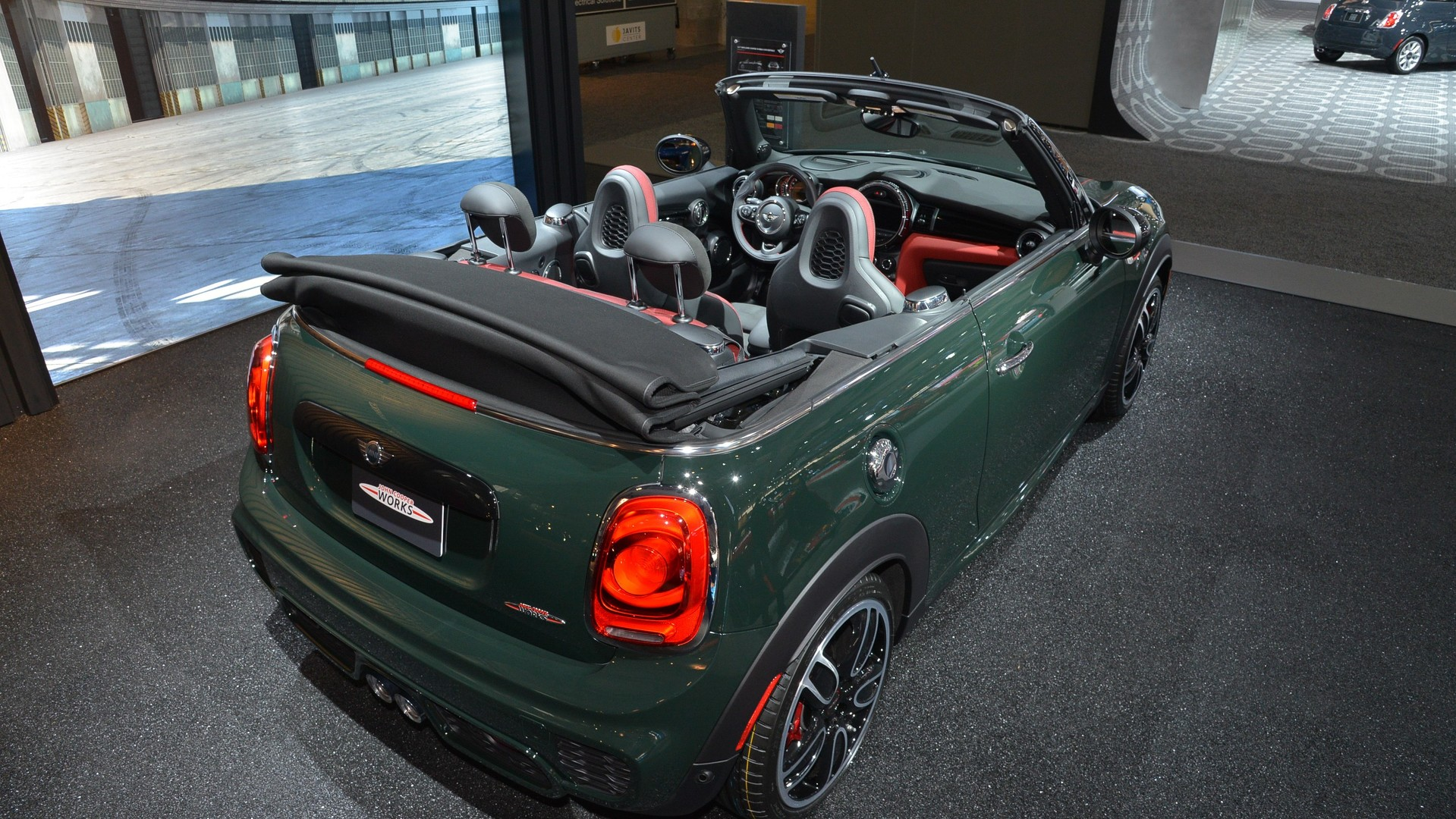 mini john cooper works convertible makes public debut in new york mini. Black Bedroom Furniture Sets. Home Design Ideas