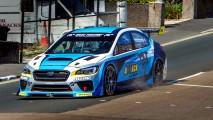 Subaru WRX sahibi olduğu Isle of Man TT tur rekorunu bir kez daha kırdı