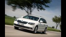 Nuova Skoda Superb Combi station wagon