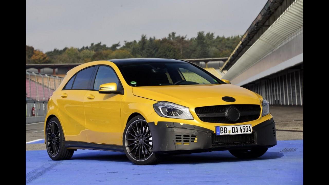 Mercedes-Benz A45 AMG aparece ainda camuflado em primeiras imagens oficiais