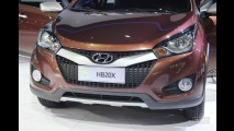 """Salão do Automóvel: Hyundai apresenta o """"aventureiro"""" HB20X - Sedã fica para março"""