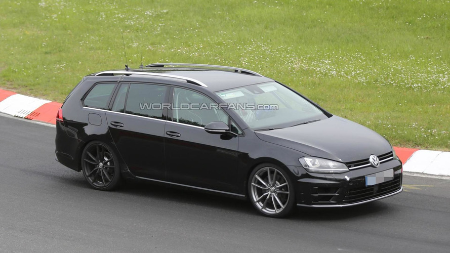 Volkswagen Golf R Variant caught on camera once more