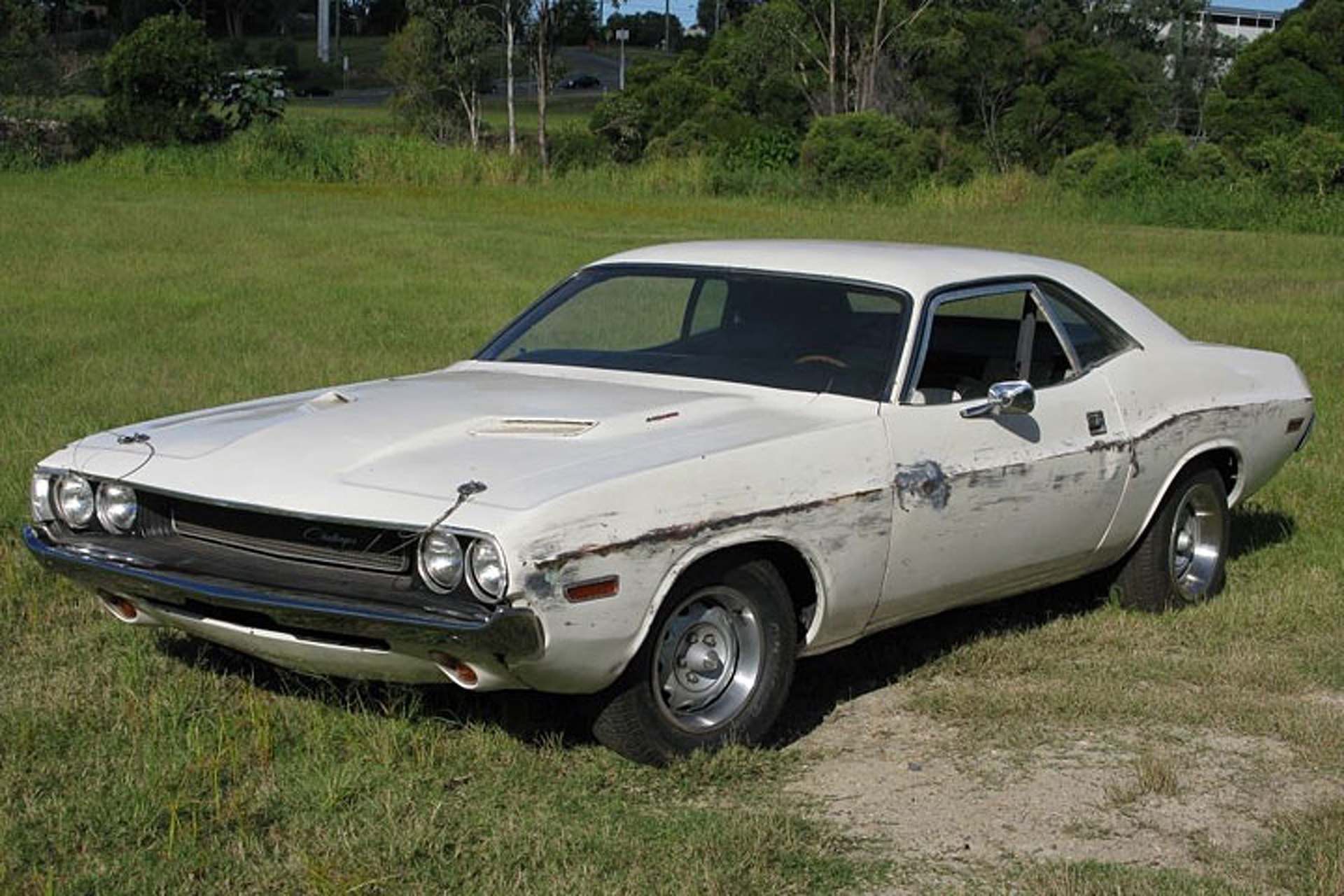 dodge-challenger-from-quentin-tarantinos-death-proof-hits-ebay