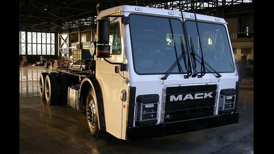 Tesla co-founder and Mack unveil range-extended electric garbage truck