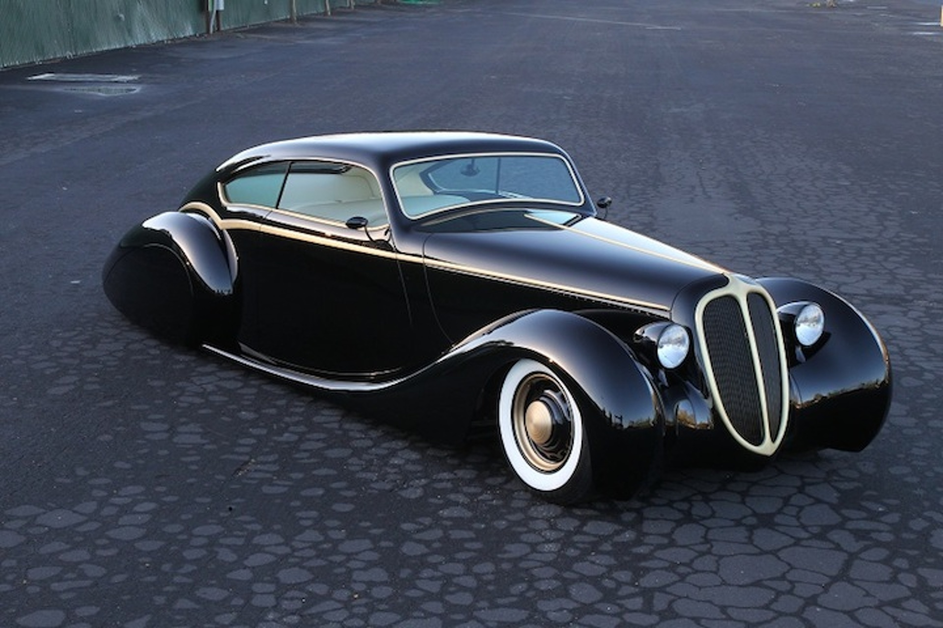 "Metallica Frontman's Jaguar ""Black Pearl"" is Custom Perfection [w/video]"