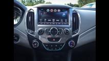 Teste CARPLACE: Novo Cruze vai pra cima do Corolla e até do A3 Sedan
