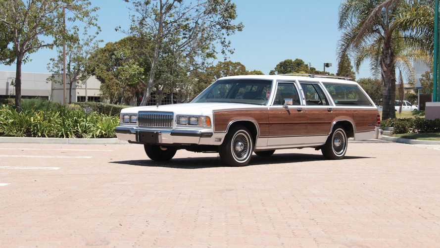 Roll With The Whole Family In This Mercury Grand Marquis 5.0