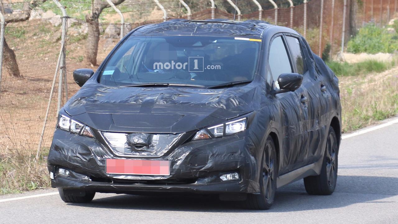 2018 Nissan Leaf spy photo