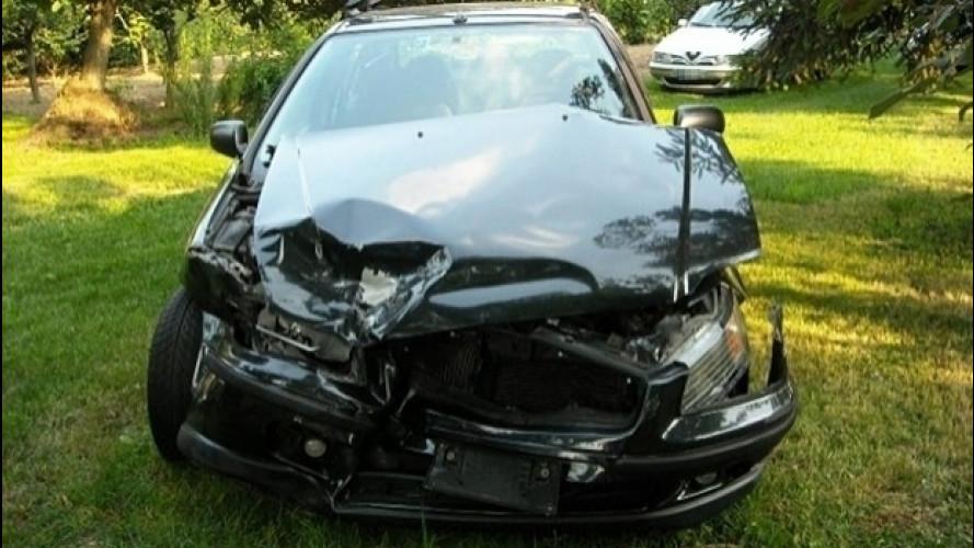 Incidente in auto, la scelta del carrozziere è libera