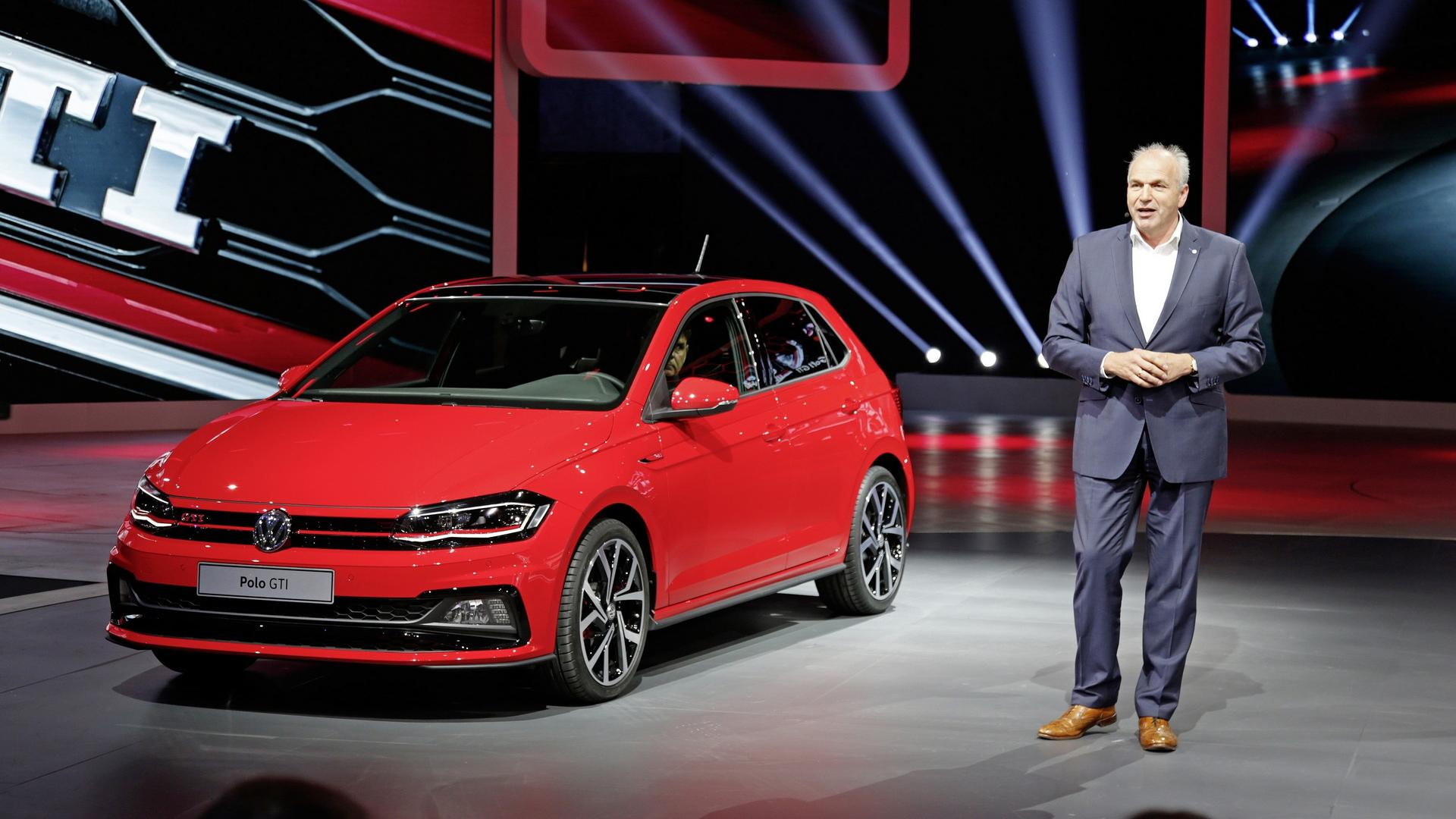 147 mph vw polo gti flexes its hot hatch muscles in frankfurt. Black Bedroom Furniture Sets. Home Design Ideas