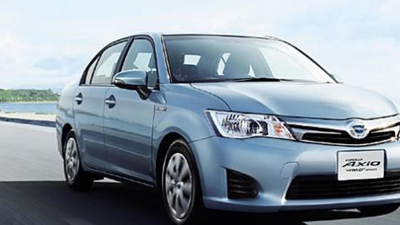 Toyota corolla axio hybrid corolla fielder hybrid jdm spec 06 8 2013