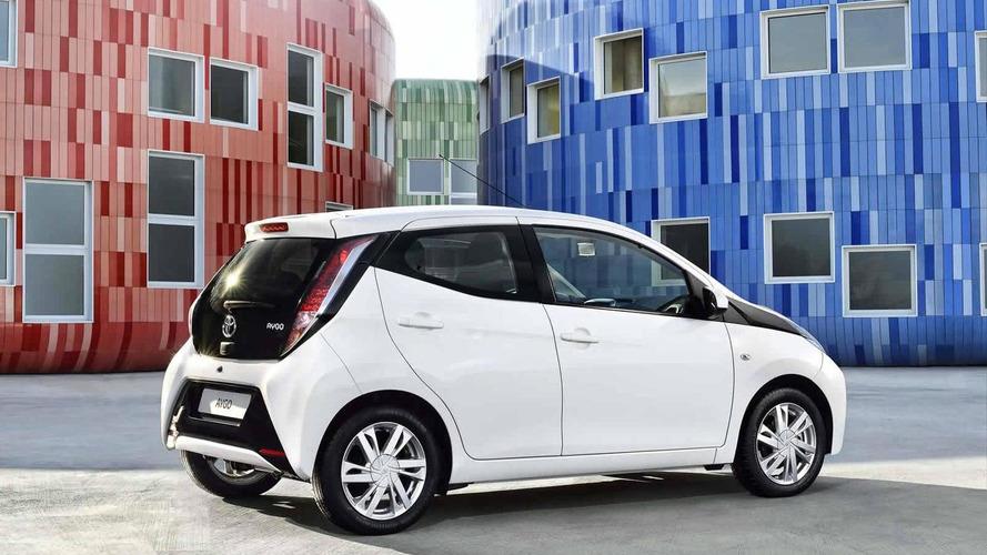 2014 Toyota Aygo officially revealed in Geneva with premium design