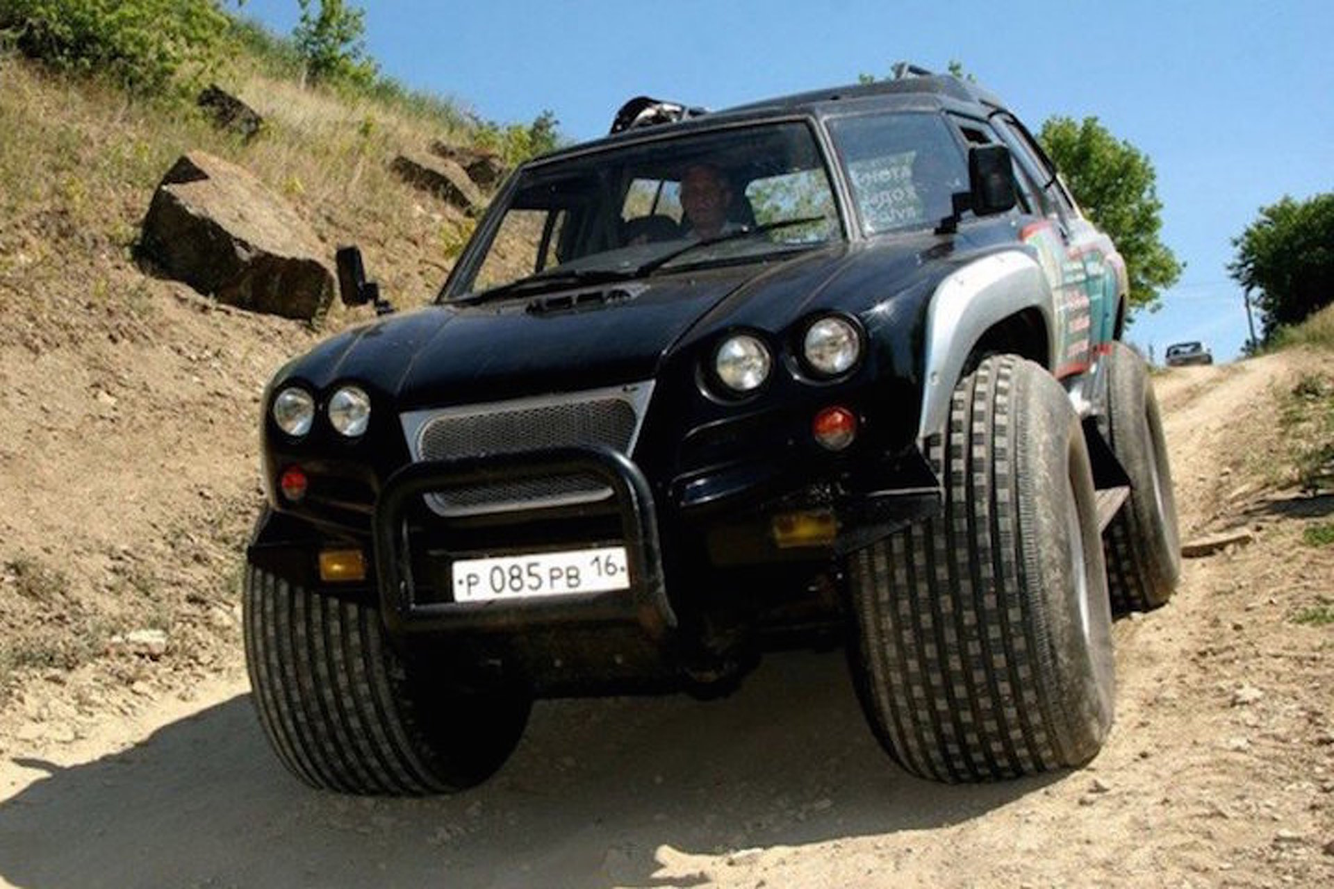7 of russia s most awesome off road vehicles. Black Bedroom Furniture Sets. Home Design Ideas