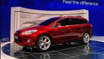 Salão de Genebra 2010: Ford exibe a nova geração do Focus Hatch e Station Wagon