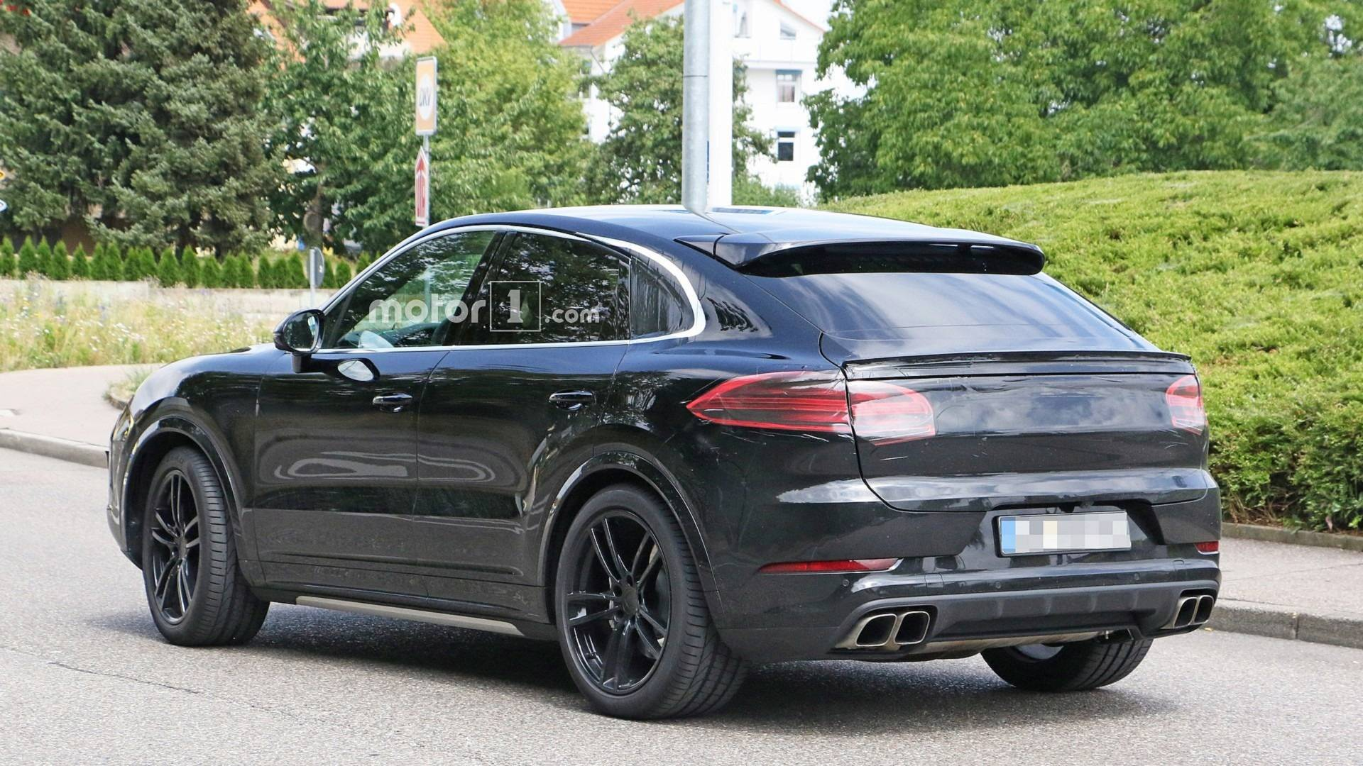 2020-porsc​he-cayenne​-coupe-spy​-photo