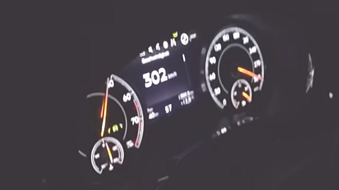 Bentley Bentayga top speed run