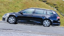 VW Golf R facelift spy photo